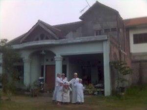 gedung mim saat masih kontrak rumah pak Farid kepala PT. Pos Ngunut