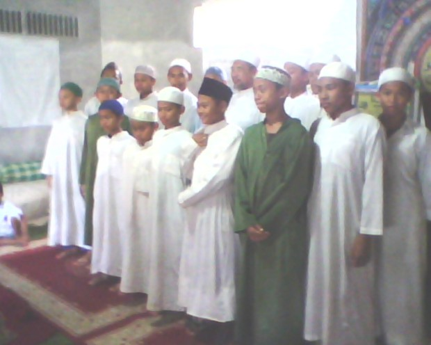 Abi Ihya' Ulumiddin bersama santri-santri MiM